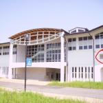 Copia di Palazzetto inaugurato nel 2005 fronte con targa(12)